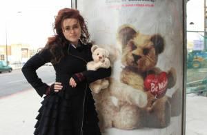 Quand la déjantée Helena Bonham Carter prête son image à une campagne choc...