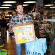 Dean McDermott (19 février 2010 dans un magasin de jouets de L.A.)