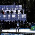 Martin Fourcade a décroché l'argent en biathlon sur le 15 km (mass start). Son frère Simon s'est classé 14e. A l'arrivée, le gain de la médaille a offert une belle scène de liesse entre les Fourcade brothers !