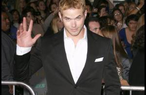 Kellan Lutz : La star de Twilight encourage l'adoption... avec un message choc !