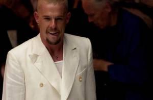 Mort d'Alexander McQueen : Kate Moss, Naomi, Stella très émues lors des funérailles du créateur...