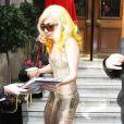 Lady Gaga sortant de son hôtel pour se rendre à l'O2 Arena, à Londres le 26 février 2010