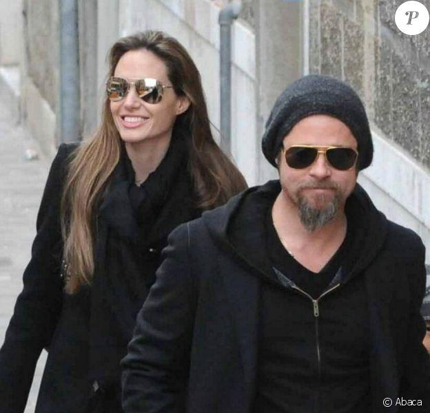 Angelina Jolie et Brad Pitt se promènent à Venise avec leurs quatre plus grands enfants.