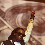Regardez, Lil Wayne a enfin été conduit en prison !