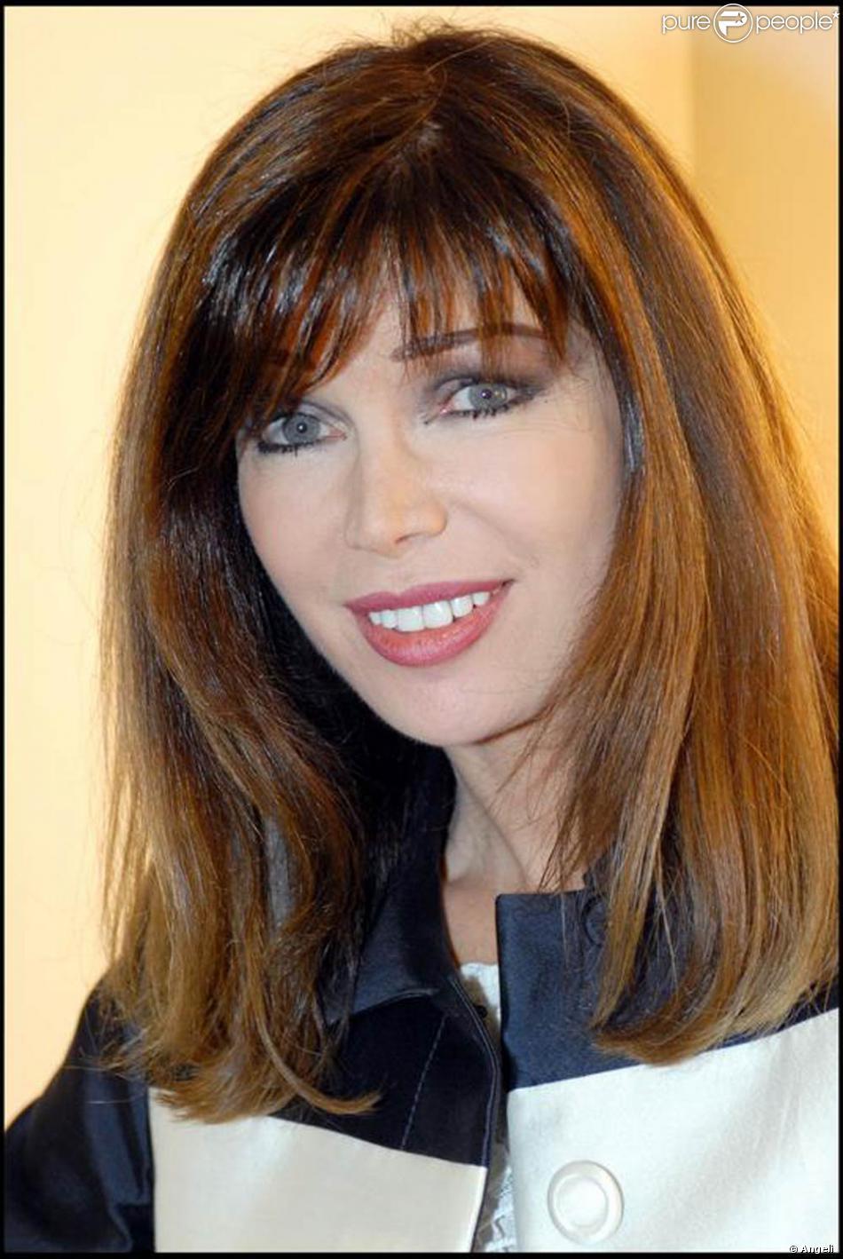 M6 0 60 >> Chanteuse à l'origine, Karen Cheryl, de son vrai nom Isabelle Moriset, est très vite devenue ...