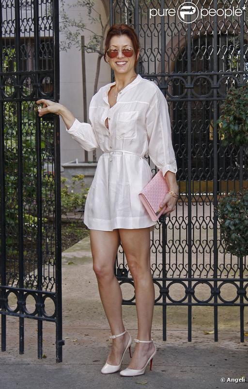 Kate Walsh se rend chez des amis à Beverly Hills le 14 mars 2010