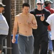 En attendant de retrouver Eva Mendes et Tina Fey... Mark Wahlberg montre qui est le patron !