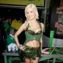 La bombe de Playboy, Holly Madison, fête la Saint-Patrick... à sa très charmante façon !