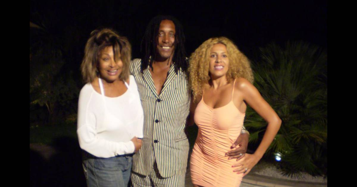 Lesly mess alias afida turner au c t de son mari ronnie for Biographie de afida turner