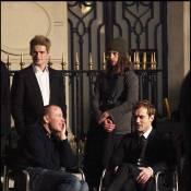 """Après le carton de """"Sherlock Holmes"""", regardez Jude Law tourner avec Guy Ritchie pour une marque française de luxe !"""