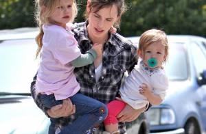 Jennifer Garner est tiraillée entre ses deux filles... Elle est perdue !
