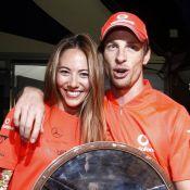 Grand Prix d'Australie : Jenson Button, vainqueur avec panache, fait chavirer sa belle Jessica !