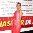 Jennifer Aniston lors de l'avant-première de The Bounty  Hunter, le chasseur de primes, au Gaumont Marignan de Paris  le 28 mars  2010. Elle porte une robe Christian Lacroix et des chaussures Manolo Blahnik