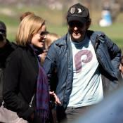 Bradley Cooper tourne avec la belle Abbie Cornish de nouveau célibataire... ce qui ne rassure pas Renée Zellweger !