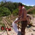 Construction du radeau périlleuse pour les sportifs (épisode 3 de Koh Lanta / 9 avril 2010)