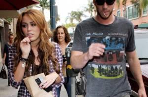 Quand Miley Cyrus et Liam Hemsworth se rendent chez le médecin... c'est sucettes au bec !