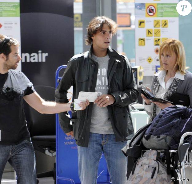 Rafael Nadal retourne au bercail avec sa mère, le 20 avril 2010