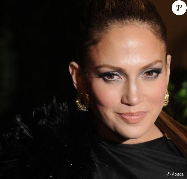 Jennifer Lopez passera par la Nouvelle Star, sur M6, le 5 mai prochain.