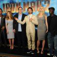 Les protagonistes d'Iron Man 2 - Robert Downey Jr., Scarlett Johansson, Gwyneth Paltrow, Don Cheadle et Mickey Rourke - et le réalisateur Jon Favreau étaient réunis au Four Seasons Hotel de Los Angeles, le 23 avril 2010, pour promouvoir la sortie