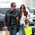 Cindy Crawford et son mari Rande Gerber passent l'après-midi ensemble à Malibu et font un peu de shopping le 27 avril 2010
