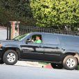 Dolph Lundgren en voiture dans les rues de Los Angeles