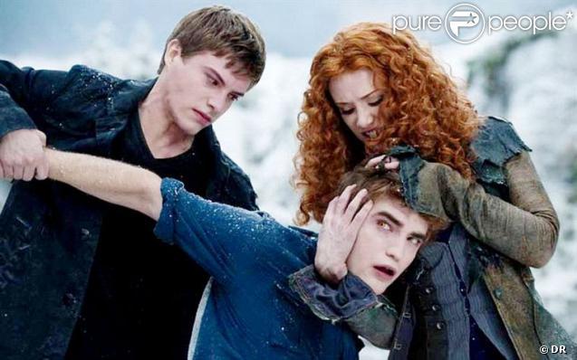 La vilaine Victoria veut du mal à Edward Cullen dans Twilight 3