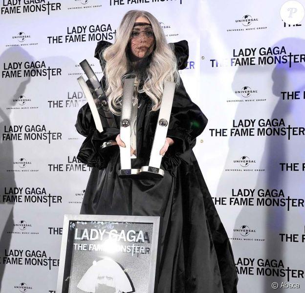 Lady Gaga reçoit enfin ses Echo Awards à Berlin, le 11 mai 2010 !