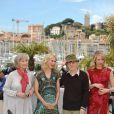 Gemma Jones, Naomi Watts, Lucy Punch, Woody Allen lors du photocall à Cannes pour You Will Meet A Dark Stranger, le 15 mai 2010