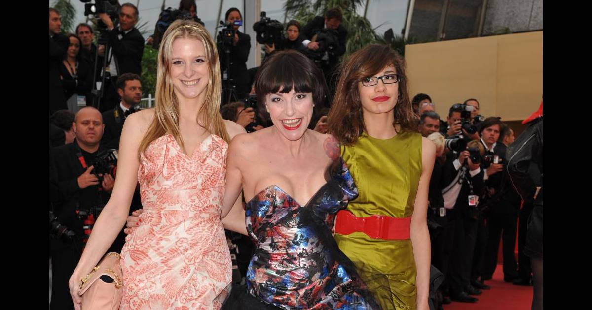 Esmeralda Fille De Lio lio et ses filles nubia et esmeralda sur le tapis rouge du festival