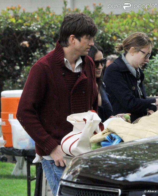 Demi Moore rend visite à Ashton Kutcher sur le tournage de  Friends with benefits , à Los Angeles, le 14 mai 2010