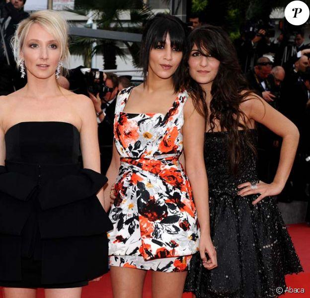 Avant la projection de La princesse de Montpensier de Bertrand  Tavernier, lors du festival Cannes, le 16 mai 2010 : Audrey Lamy, Leïla  Bekhti et Géraldine Nakache.