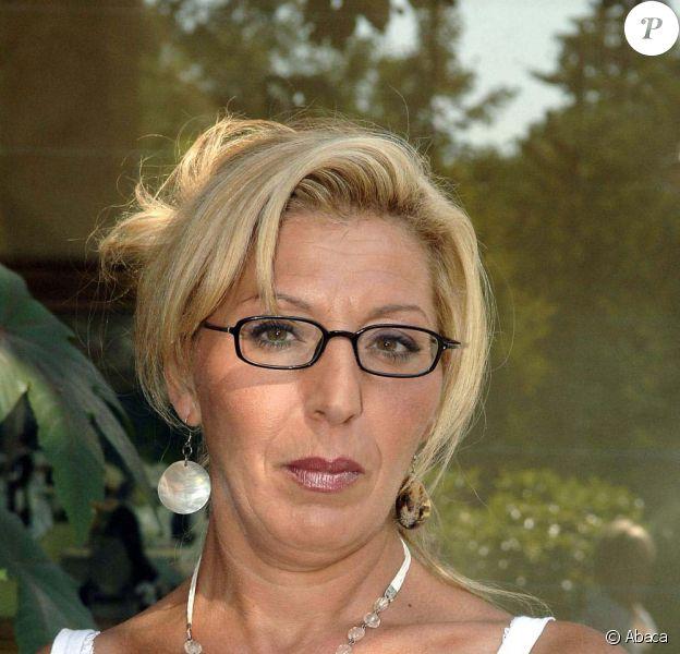 Cathy Sarraï alias Super Nanny est décédée le 20 janvier 2010 des suites d'un cancer.