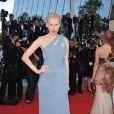 Anna Sherbinina porte une robe Elie Saab lors de la présentation du film Fair Game durant le festival de Cannes le 20 mai 2010