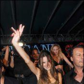 Cannes 2010 - La sublime Alessandra Ambrosio, une fan déchaînée en soirée !