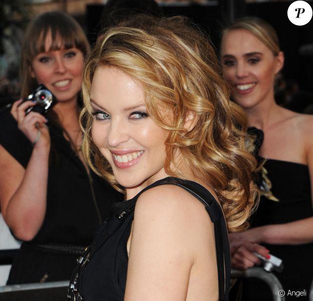 Kylie Minogue sur le tapis rouge du film Sex and the City 2 à Londres le 27 mai 2010