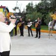 Charles Aznavour lors de la soirée de solidarité Chico & les Gypsies au patio de Camargue afin de récolter des fonds pour la cause du don d'organes et celle de l'association Rêves le 28 mai 2010