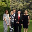 Mikhaïl Gorbatchev en famille lors du 5e gala de charité annuel organisé par la Raisa Gorbatchev Foundation, qui s'est tenu au Stud House d'Hampton Court Palace, au sud de Londres, le 5 juin 2010.
