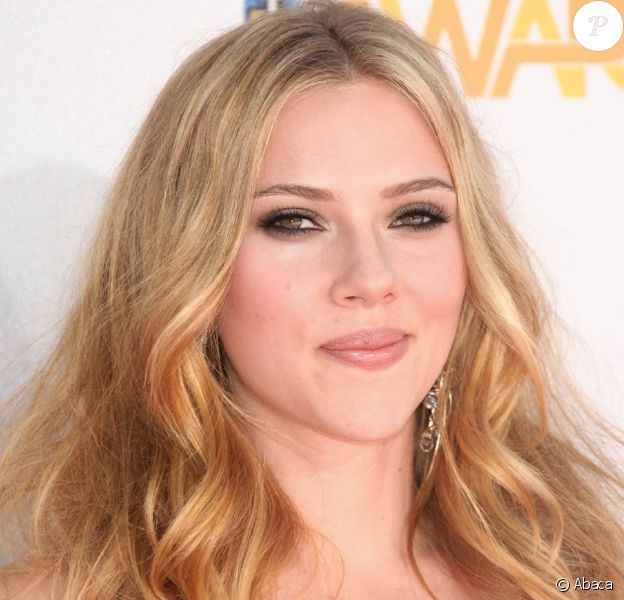 La belle Scarlett Johansson lors des MTV Movie Awards 2010, à Los Angeles, le 6 juin 2010.