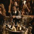 Jay-Z dans son clip  Roc Boys  dans lequel on peut voir entre autres P. Diddy et Mariah Carey, et bien sûr le fameux champagne Armand de Brignac qui coule à flot !