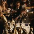 Jay-Z dans son clip  Roc Boys  dans lequel le fameux champagne Armand de Brignac qui coule à flot !