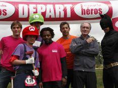 Regardez Bernard Le Coq, Michel Cymes et Bernard Diomède courir avec des héros pas comme les autres !