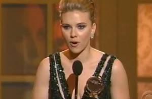 Regardez Scarlett Johansson faire une superbe déclaration à son époux Ryan Reynolds...