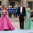 Samedi 19 juin 2010 : Le mariage de la princesse Victoria de Suède et de Daniel Westling, apothéose de leur conte de fées, a été béni par un incroyable cortège de royaux. Elena d'Espagne, Cristina d'Espagne et son mari Iñaki Urdangarin.