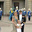 Samedi 19 juin 2010 : Le mariage de la princesse Victoria de Suède et de Daniel Westling, apothéose de leur conte de fées, a été béni par un incroyable cortège. Maxima et Willem-Alexander des Pays-Bas, avec la demoiselle d'honneur Catherina-Amalia.<b