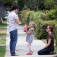 Jennifer Garner s'occupe de ses adorables Seraphina et Violet Affleck. Après avoir emmené Violet chez des amis pour un goûter, elle en profite pour montrer des chevaux à Seraphina dans un Haras le 21 juin 2010