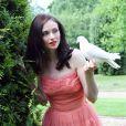 """La belle Sophie Ellis-Bextor dans sa robe de princesse, à l'occasion de la """"Happily Ever After"""" organisée par Sky Broadband et Twitter, à Londres, le 24 juin 2010."""