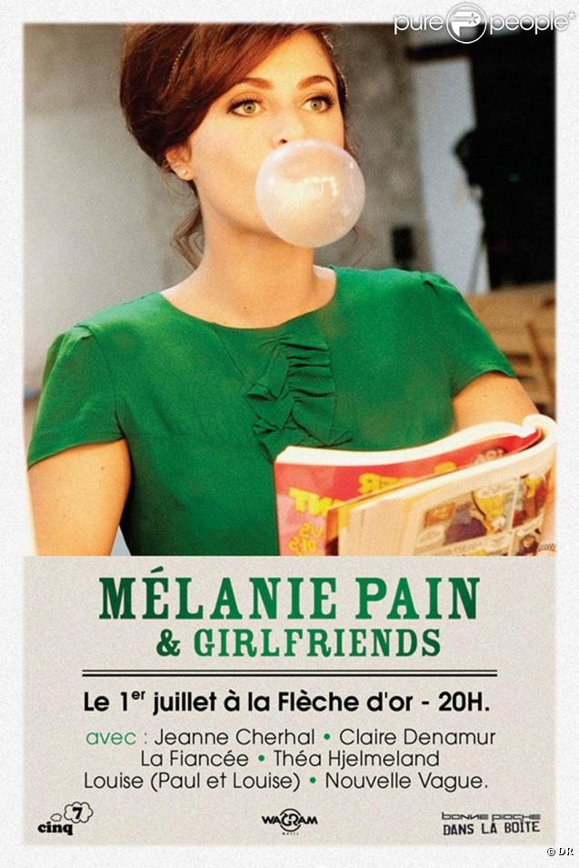 La charmante Mélanie Pain a invité quelques copines pour une soirée spéciale à la Flèche d'or, le 1er juillet 2010