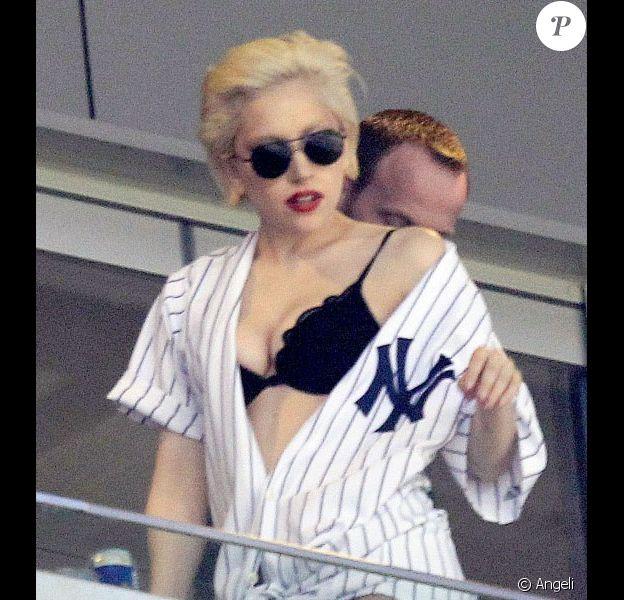 Lady Gaga lors d'un match à New York des Yankees contre les Mets le 18 juin 2010