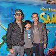 Paul et Luana Belmondo avec leur fils Giacomo à l'avant première du Voyage Extraordinaire de Samy, le 3 juillet 2010 au Gaumont Opéra.