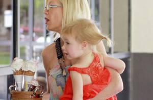 Tori Spelling : Avec sa fille, elle s'offre des petites douceurs... Mais seulement parce que son mari va mieux !